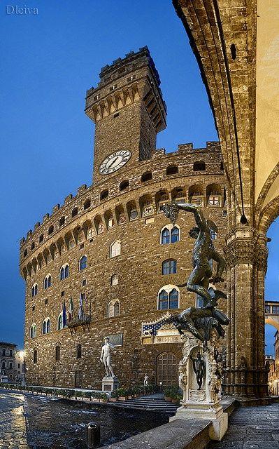 Italian Florence: Piazza Della Signoria, Palazzo Vecchio, Florence, Italy