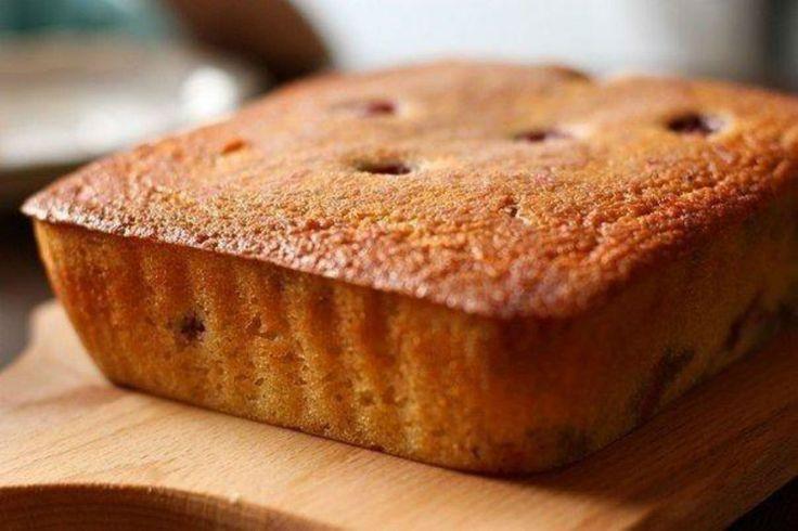 """""""Mannik"""" este un chec din griș de origine rusă, care se prepară extrem de simplu și este absolut delicios. Un desert fenomenal pentru copii! Pentru un plus de savoare și aromă puteți adăuga în acest minunat chec – stafide, vișine sau nuci. Checul nostru este cu vișine – un deliciu dulce-acrișor! Savurați cu plăcere! Echipa …"""
