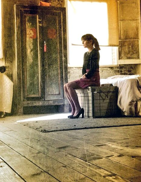 Lea Michele Returns to Glee Set, Tweets Somber Photo