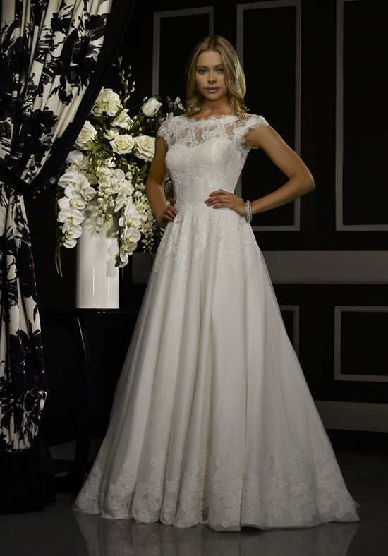 Low back cap sleeve lace and English net ball gown over taffeta | Amaris by Robert Bullock Wedding Dress | http://trib.al/R9u5JJT