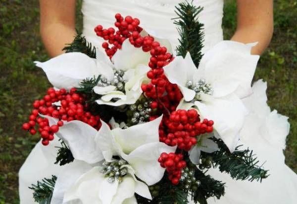 La magia del Natale nei bouquet da Sposa!