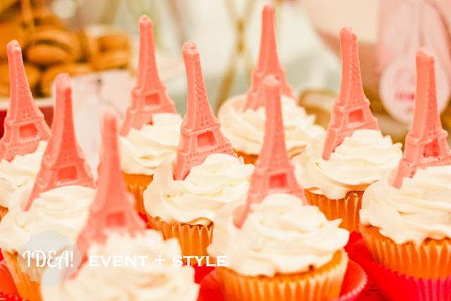 Eiffel tower cupcakes at a Ballerina in Paris Party #ballerina #pariscupcakes
