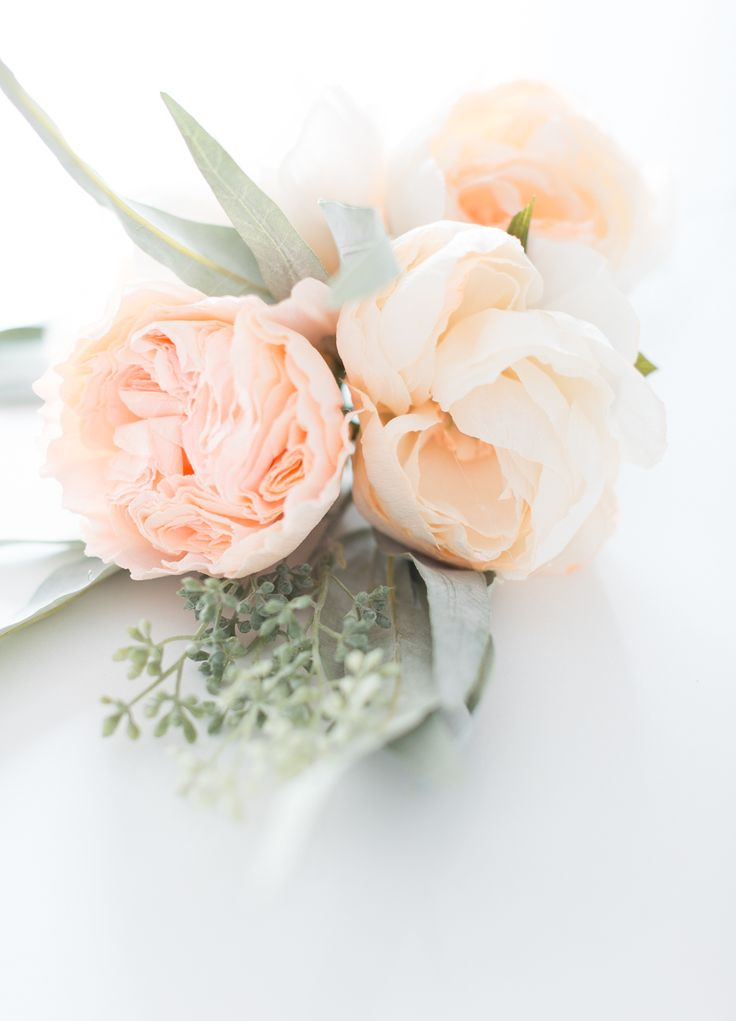 These DIY Crepe Paper Cabbage Roses make lovely wedding decor.