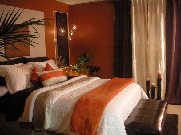 love the orange walls but love the orange accents with the brown - Brown Themed Bedroom Designs