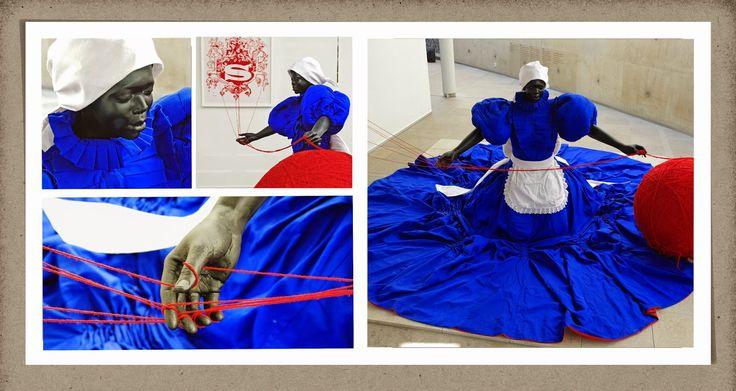 """Anders 2015: 6. Kunstenaars en maatschappij Hier een hedendaagse kunstenaar die haar beeldend werk inzet voor een andere en betere wereld  Mary Sibande  De apartheid in Zuid Afrika is vaak een thema van zwarte kunstenaars. Zo ook van Mary Sibande. """"Wish You Were Here, 2011. Haar beelden staan symbool voor alle zwarte dienstmeisjes tijdens de apartheid en vragen aandacht voor de verdere emancipatie van de zwarte vrouw."""