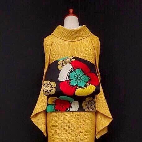 総絞り小紋にアンティークの帯♡ . . . ショップへはプロフィールから . . #雅星 #雅星本店 #着物 #着物コーデ #着物コーディネート #小紋 #名古屋帯 #kimono #japan #japanese #japanesestyle #japanesefashion