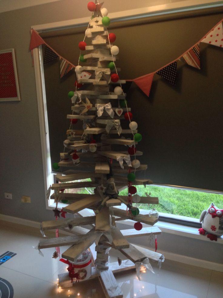 DIY pallet tree!