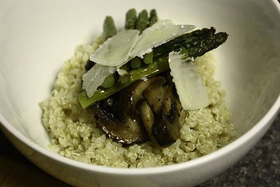 Roasted Asparagus and Mushroom QuinoaEasy Recipe, Side Dishes, Fun Recipe, Vegetables Recipe, Yummy Food, Roasted Asparagus, Asparagus Mushrooms, Healthy Food, Mushrooms Quinoa