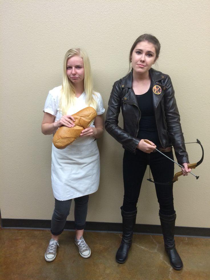 Dynamic duo couple outfit/costume: Katniss everdeen and Peeta mellark DIY