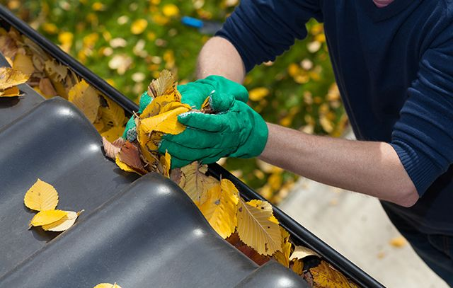 How to clean gutter located at your commercial building?