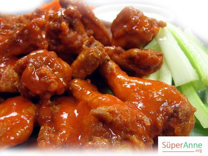 Buffalo Stili Tavuk But   Süper Anneden Kolay Yemek Tarifleri