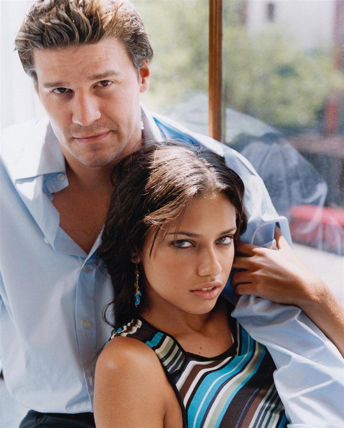 Адриана Лима (Adriana Lima) и Дэвид Бореаназ (David Boreanaz) в фотосессии Памелы Хэнсон (Pamela Hanson) для журнала Glamour (2000), фотография 7