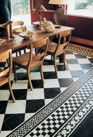 Tegels landelijke keuken Castelo portugese cement tegels  - uw-vloer.nl #tegelvloer #keuken