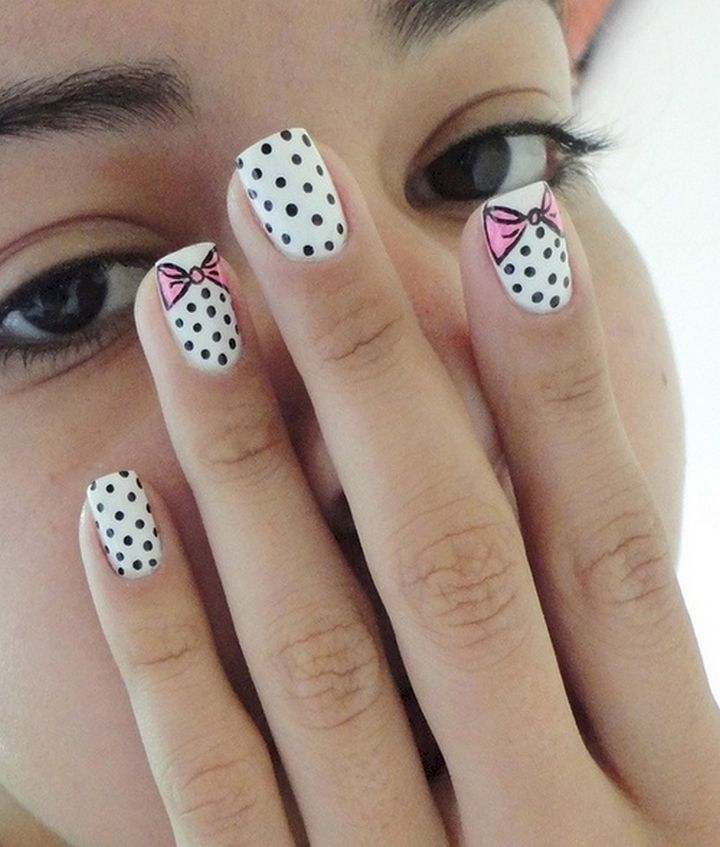 17 Bow Nail Art Designs - Cute polka dots with pink bows.