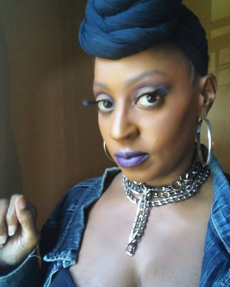 Smoked out vamp halo eye  Using @rubykissescosmetics Hel-a-va Gorgeous eyeshadow palette  Lashes also by @rubykissescosmetics  @nabicosmetics dark plum matte on lips  #makeup #instamakeup #cosmetic #cosmetics #aquawardbeauty #fashion #eyeshadow #lipstick #gloss #mascara #palettes #eyeliner #lip #lips #tar #concealer #foundation #powder #eyes #eyebrows #lashes #lash #glue #glitter #crease #primers #base #beauty #beautiful