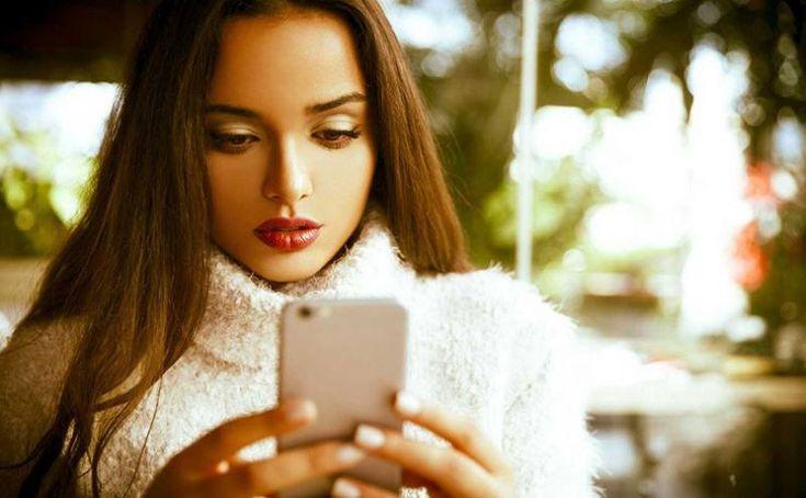 Los nativos digitales hacen dos de cada diez compras de moda desde el móvil