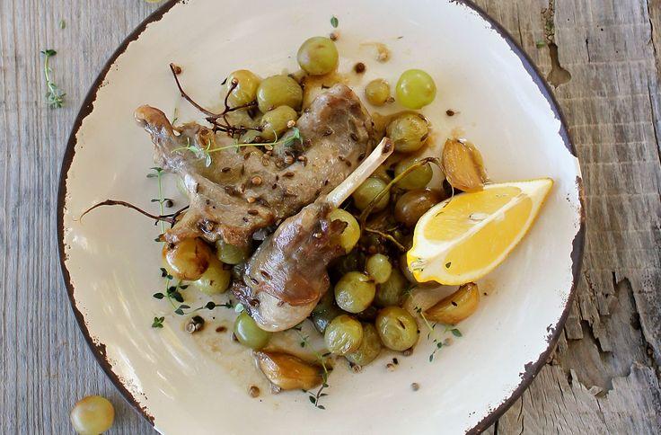 Λεμονάτο κουνέλι με ρετσίνα - Συνταγές - Φάρμα Αλεξανδράκης