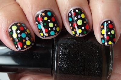 Black with multicolor dotsDots Matching, Nails Art, Hair Make Up Nails, Black And White, Colors Dots, Challenges Day3, Hair Make Up Beautiful, Uñas Nails, Multicolored Dots