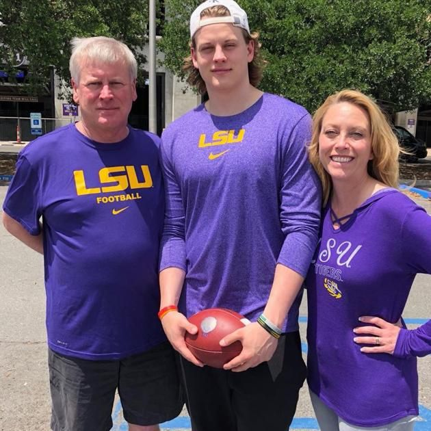 Meet The Burrows Lsu S Newest Quarterback Has The Whole Family In Purple And Gold Lsu Lsu Football Lsu Tigers Football
