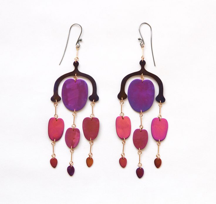 Mobile earrings by Sian Evans from the Botany collection : Multicoloured Niobium and 18ct rose gold . Gynoceium earrings