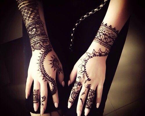 Nails + tattos