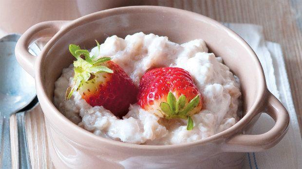 pohanka s jogurtom a jahodami
