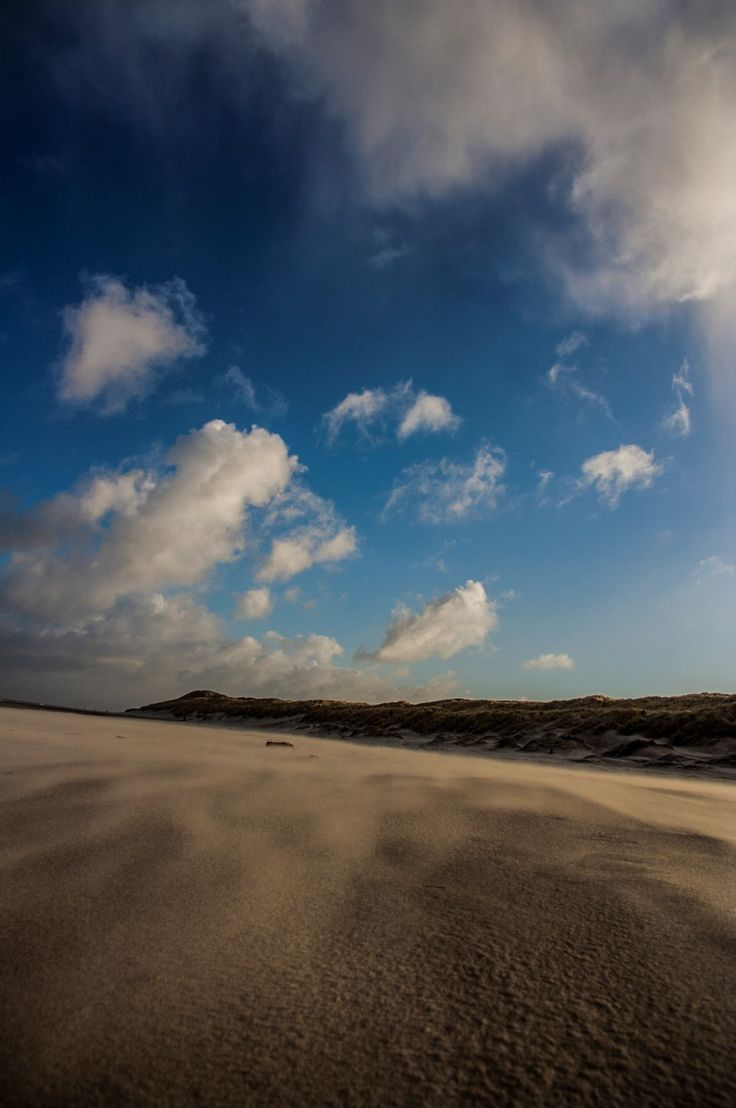 Blue sky beach on Vlieland - picture made by Bart Lebesque