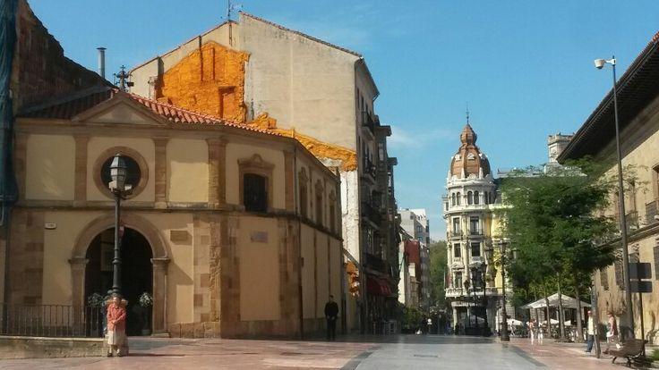 Plaza central, Oviedo