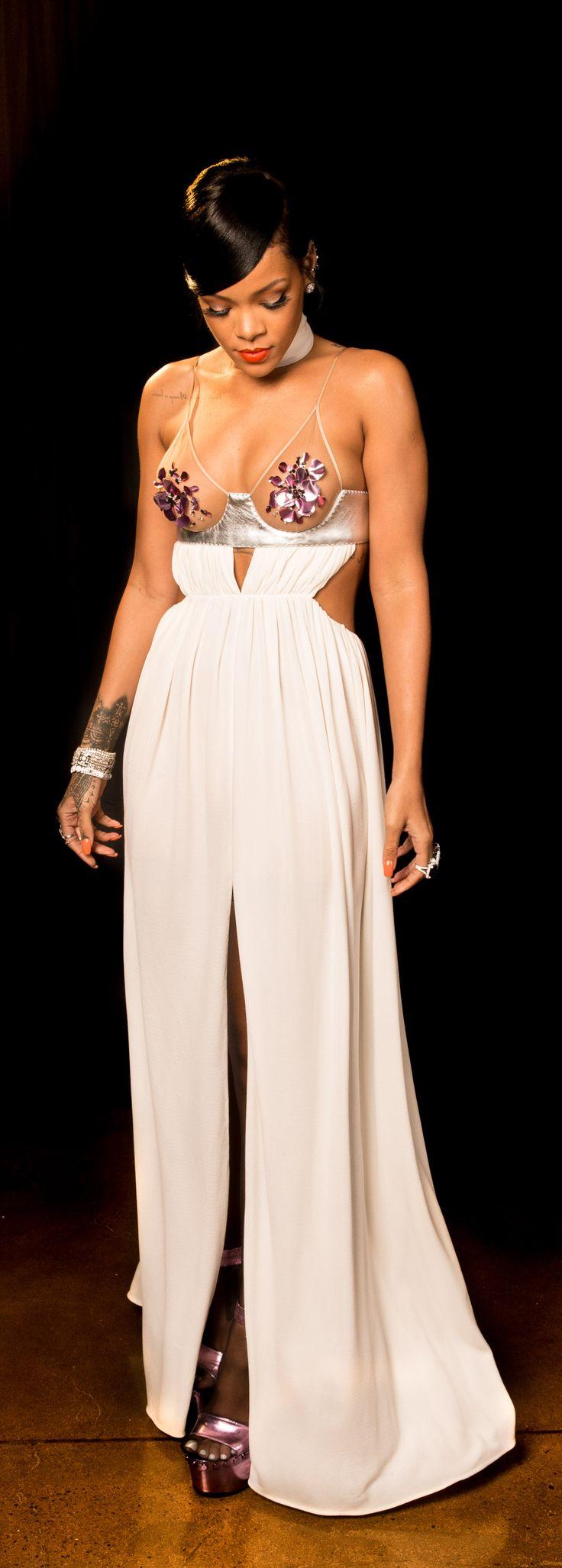 Rihanna's bold Tom Ford look.