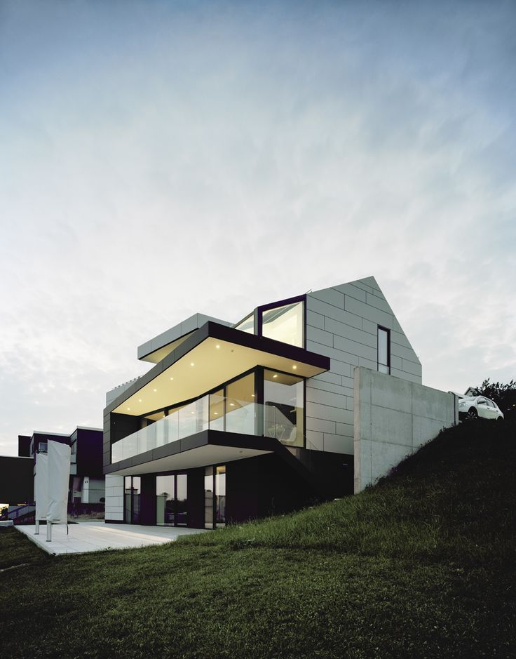 17 best images about modern houses on pinterest villas for Facade villa moderne