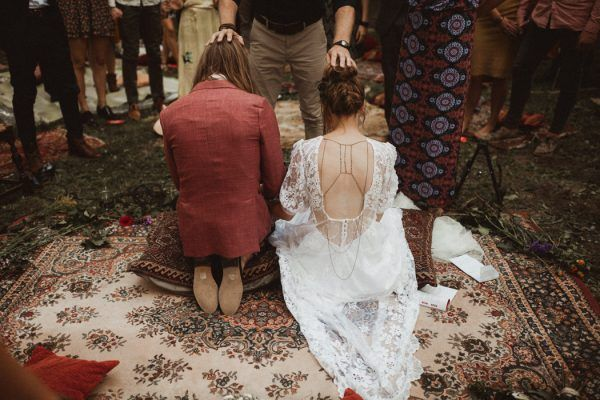 An intimate ceremony prayer captured by Martijn Roos