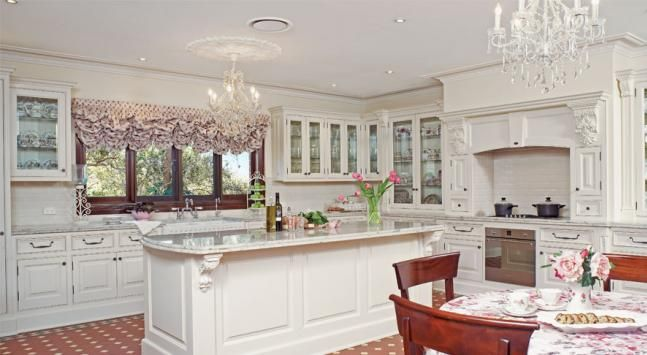 17 best images about renovation federation on pinterest for Federation kitchen designs