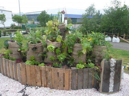 30+ Creative DIY Raised Garden Bed Ideas And Projects --> Sack Gardens #garden #raised_bed