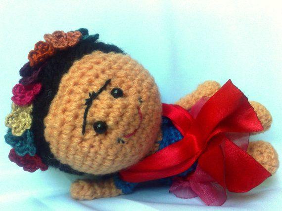 Amigurumis De Frida Kahlo : Frida kahlo brooch crochet brooch brooch amigurumi frida