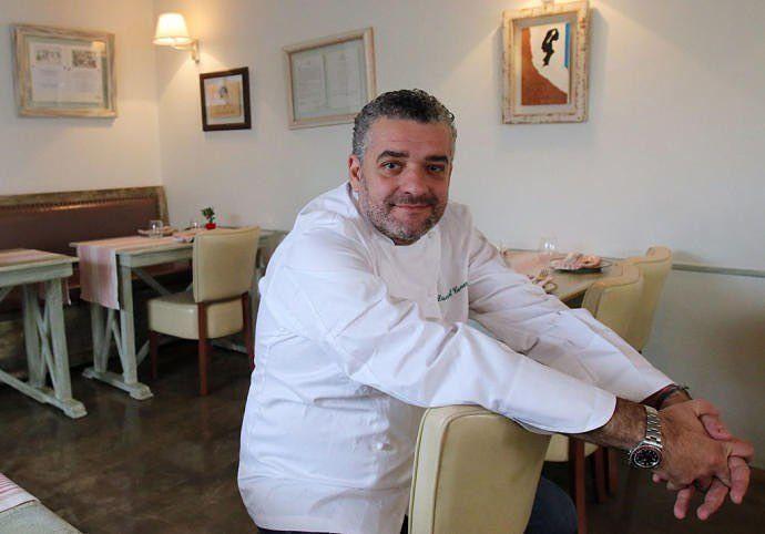 Enhorabuena A Dani Carnero Que Ha Incluido A Su Restaurante Lacosmopolita De Malaga En El Puesto 23 De Los 200 Mejores Restaurantes De Lab Coat Chef Jackets