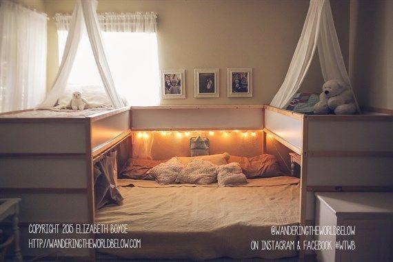 Il maxi letto di famiglia in cui si dorme in sette