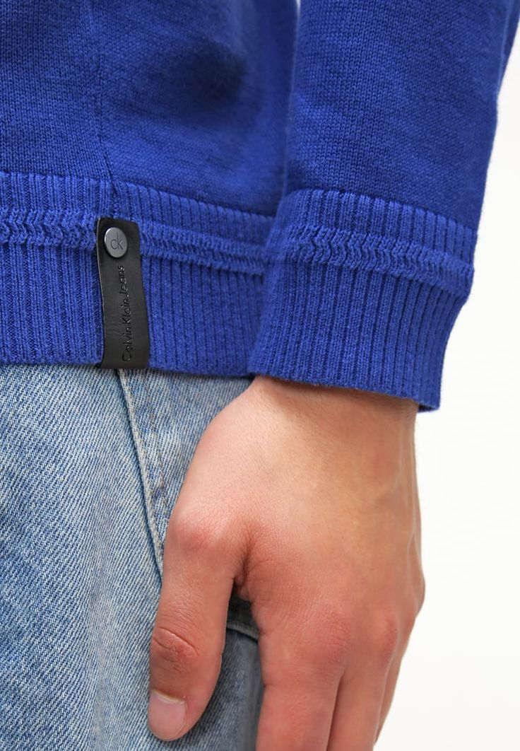 Vêtements Calvin Klein Jeans SALVO - Pullover - blue bleu: 90,00 € chez Zalando…