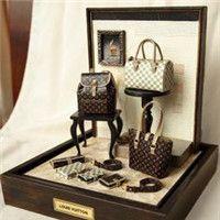 mini designer purses by DollhouseAra @ etsy. So detailed it's just amazing.