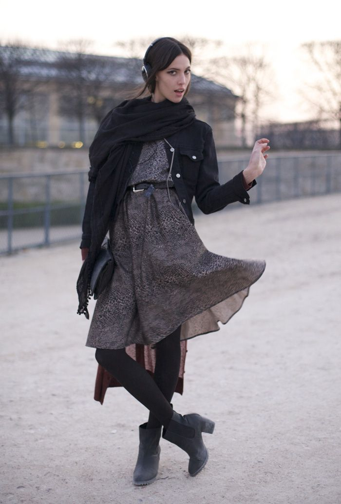 Ruby Aldridge, Paris Tuileries | Street Fashion | Street Peeper | Global Street Fashion and Street Style