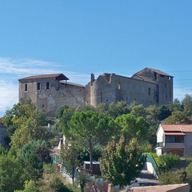 Château de Gréoux-les-Bains 04800 Gréoux les Bains, Chemin des Hospitaliers, Le Chateau des Templiers et sa salle des Gardes