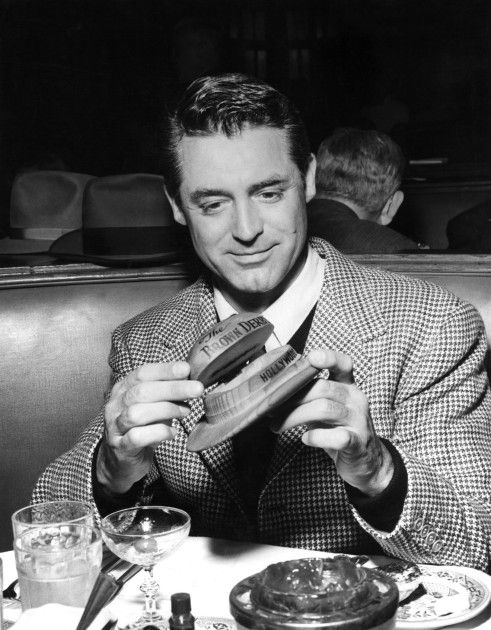 """Cary Grant dining at the Brown Derby / love his hat behind him. See """"Places and Spaces"""" board"""