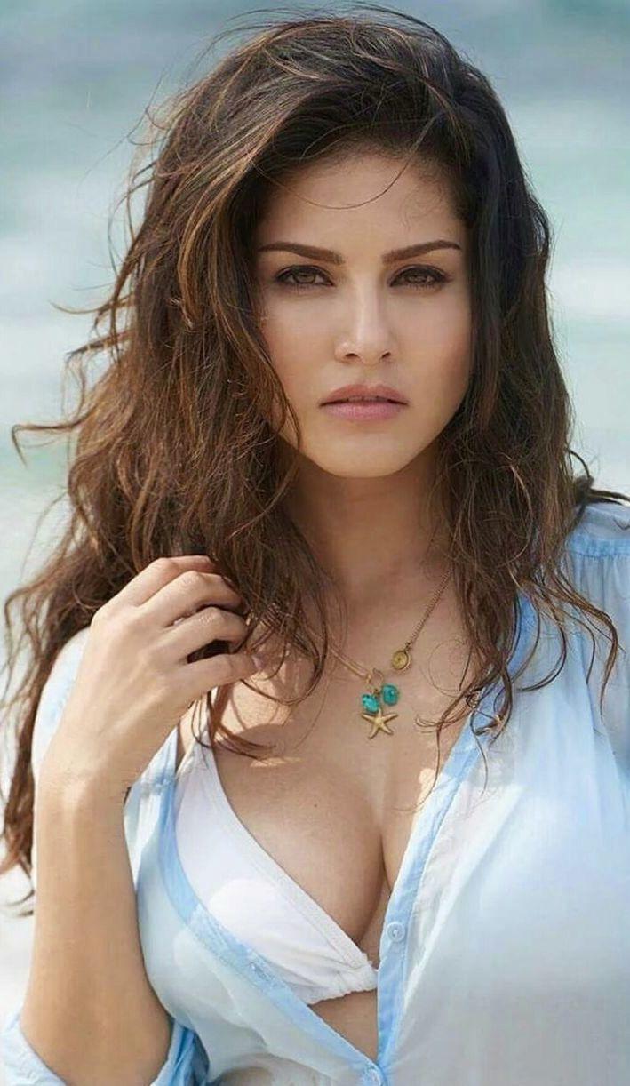 Sunny Leone  Beach  Beautiful, Sexy, Gorgeous Women-4460