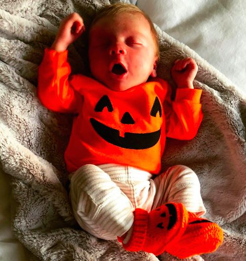 Heidi Montag & Spencer Pratt's Son: Baby's First Halloween - https://celebritybabyscoop.com/2017/10/31/heidi-montag-spencer-pratts-son-babys-first-halloween/?utm_source=Pinterest&utm_medium=Social #BabysFirstHalloween #Celebritybaby #CelebrityNewborn #Celebritytot #GunnerPratt #GunnerStonePratt #Halloween #HappyHalloween #HeidiMontag #JackoLantern #SpencerPratt #TheHills