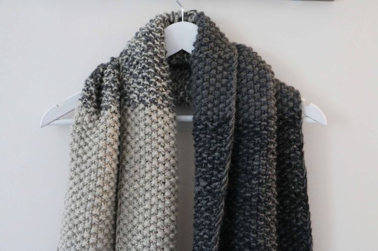 Une écharpe bien cocoon. Tricotée avec la laine DROPS Népal.