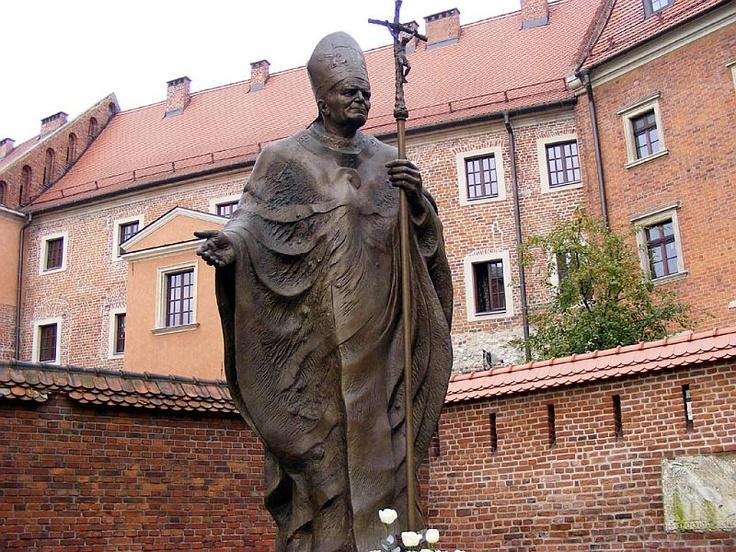 Statuia Papei Ioan Paul al II-lea din Cracovia