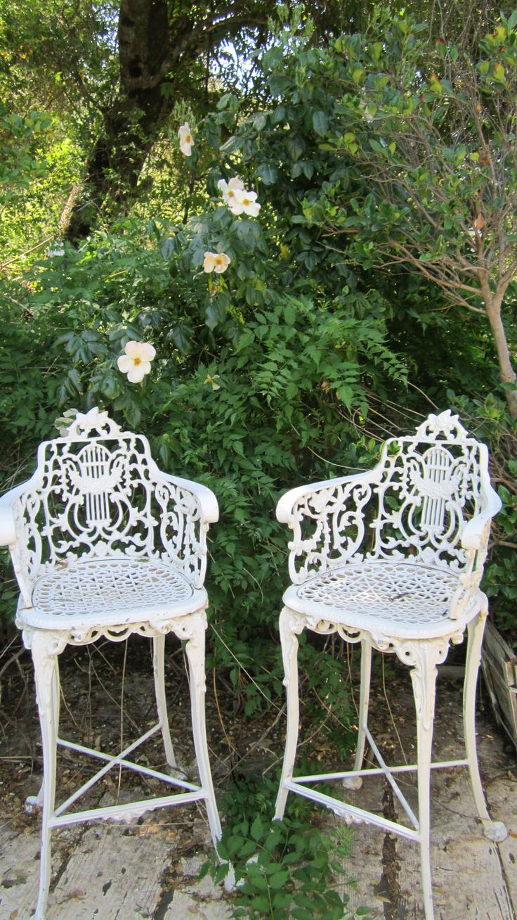 pair vintage white cast iron ornate stools free shipping shabby chic roses prairie victorian. Black Bedroom Furniture Sets. Home Design Ideas