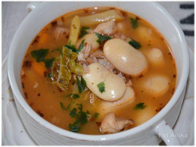 Domowa kuchnia Aniki: Zupa ze świeżej fasoli jaś z mięsem. Sycąca zupa z jaśka