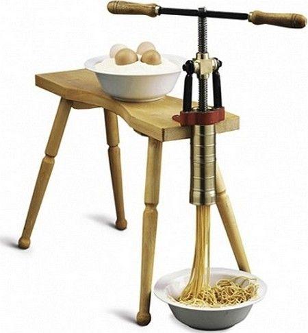 Presse à pâte alimentaire manuelle avec assis Transformation alimentaire EUROTECH  photo 1