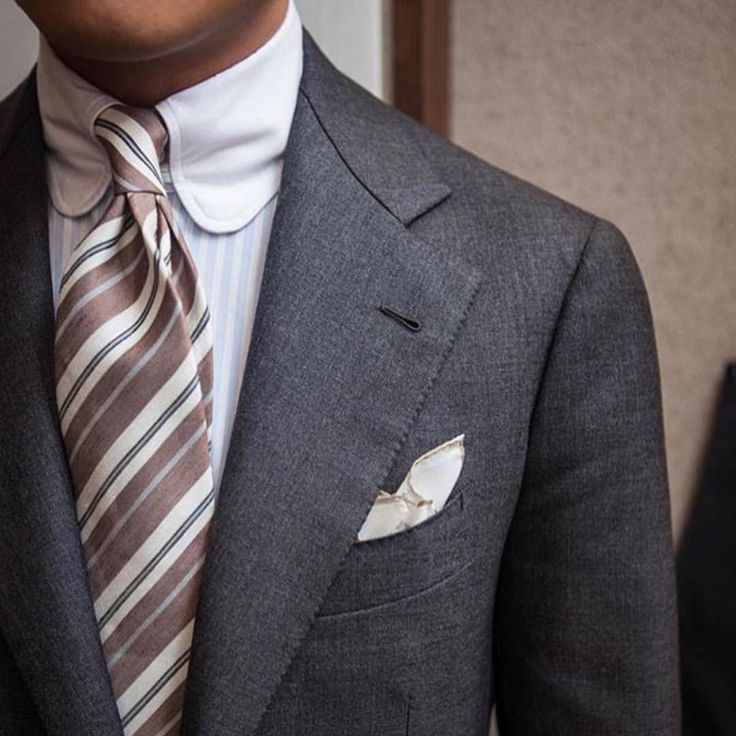 """styleandtraveldaily: """"Tuesday Tailoring focuses on the brilliant work of @bntailor with this charcoal suiting, tab-collar shirting and buttonhole! ✂️#tuesdaytailoring #bntailor #handmade #tabcollar..."""