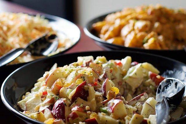 recette de salade waldorf pommes noix c leri fromage bleu endives ou chou chinois qu bec. Black Bedroom Furniture Sets. Home Design Ideas